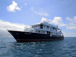 ספארי צלילות באיי גלאפגוס